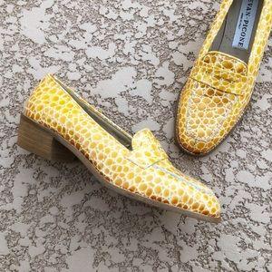 VTG EVAN PICONE Mustard Embossed Penny Loafers